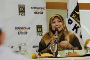 Anggota Komisi IX DPR Fraksi PKS Kurniasih Mufidayati